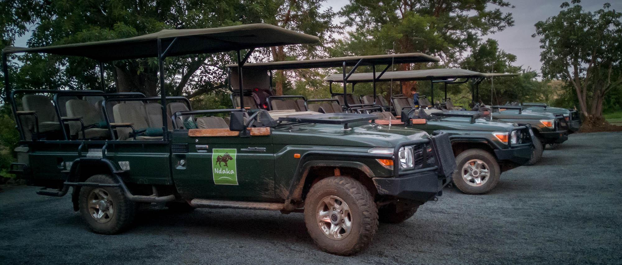 Ndaka safari lodge - safari vehicles
